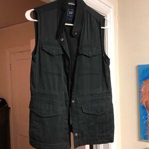 NWOT Gap black vest blouse